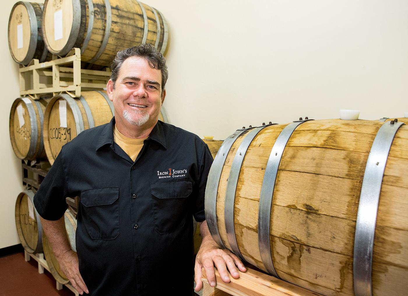 Джон Адкиссон, совладелец пивоварни Iron John's Brewing Company. Фото: Jeff Smith