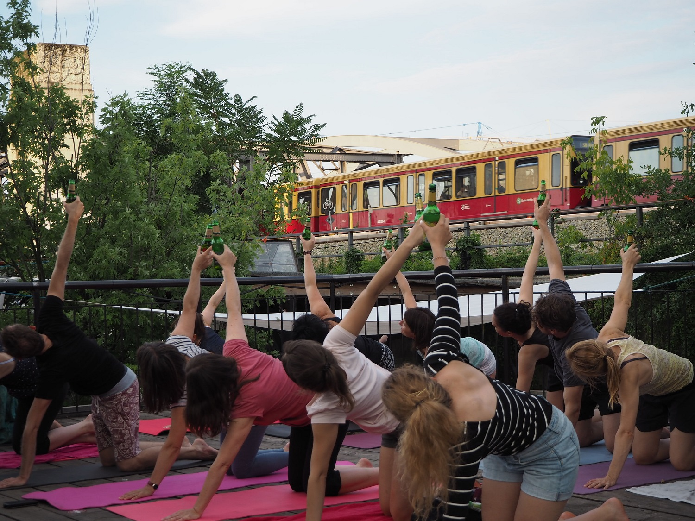 Тренд: Пивная йога— тема для стартапов повсей планете