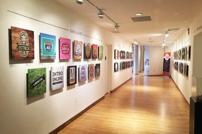 Выставка этикеток для несуществующих сортов пива