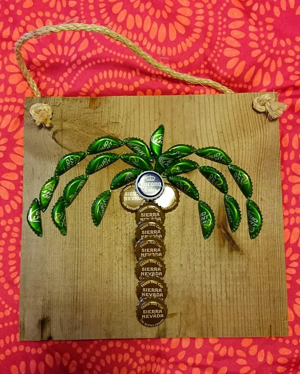 Пальма из пивных пробок