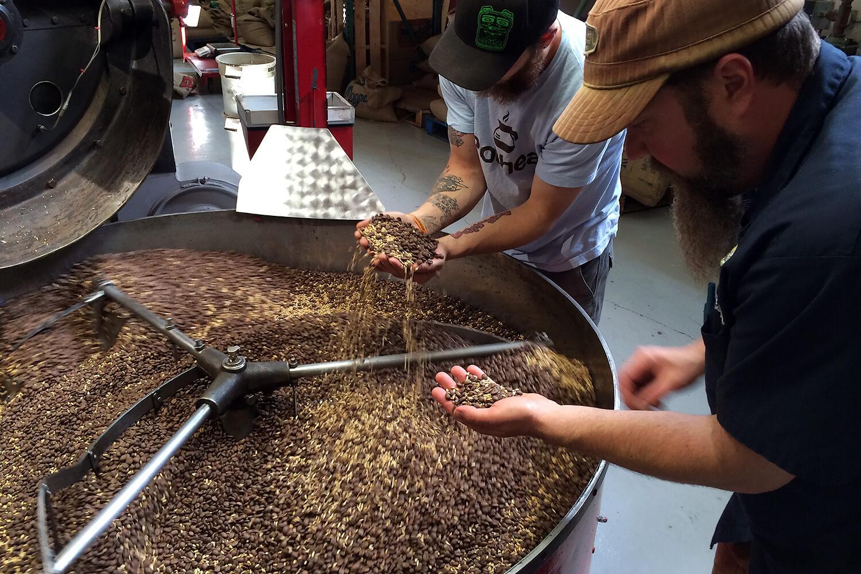 Кофе компании Heritage Coffee Roasting для пивоварни Alaskan Brewing Co.