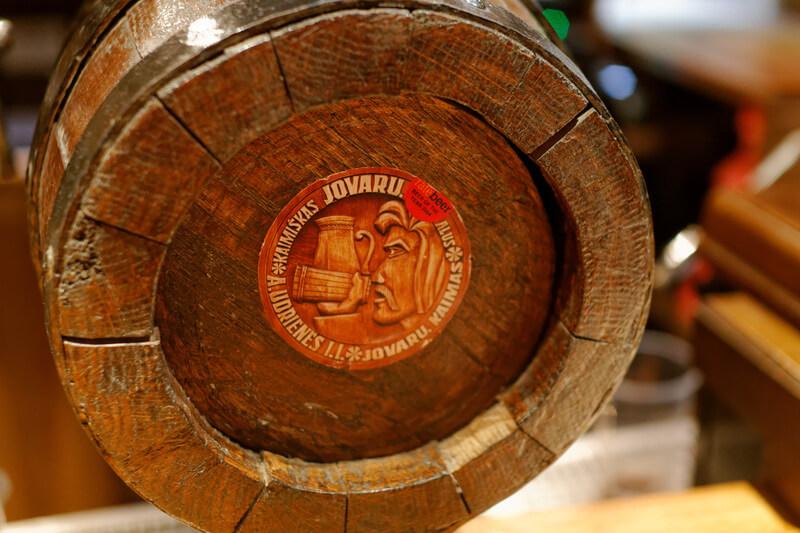 Бочка с сырым элем Jovaru alus в Вильнюсе
