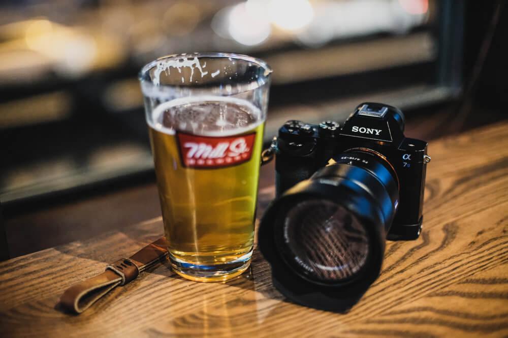 Пиво и фотоаппарат