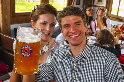 Томас Мюллер с пивом