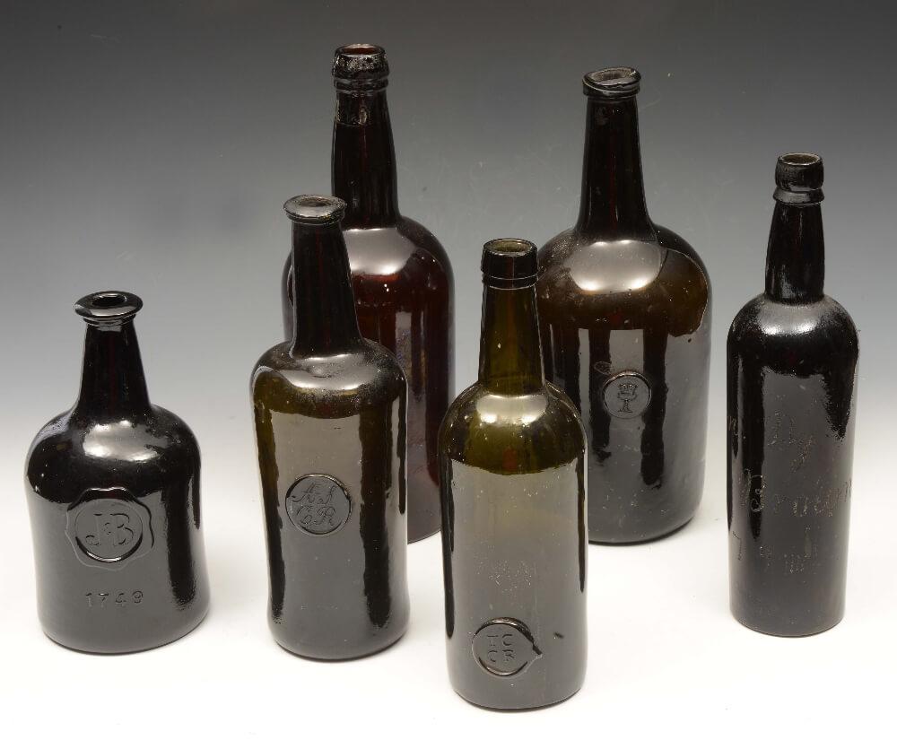Винтажные бутылки пива