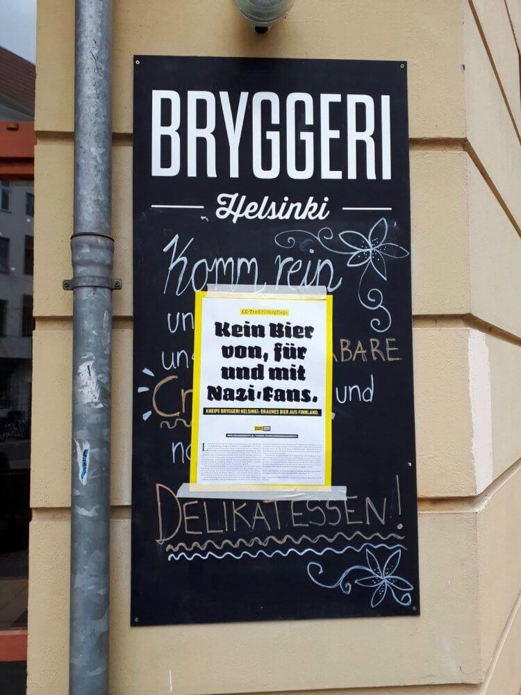 Листовки на здании Bryggeri Helsinki в Берлине